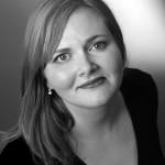 Debra Hillabrand as Flora