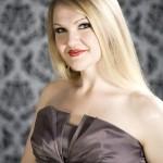 Lindsey Anderson as Woglinde